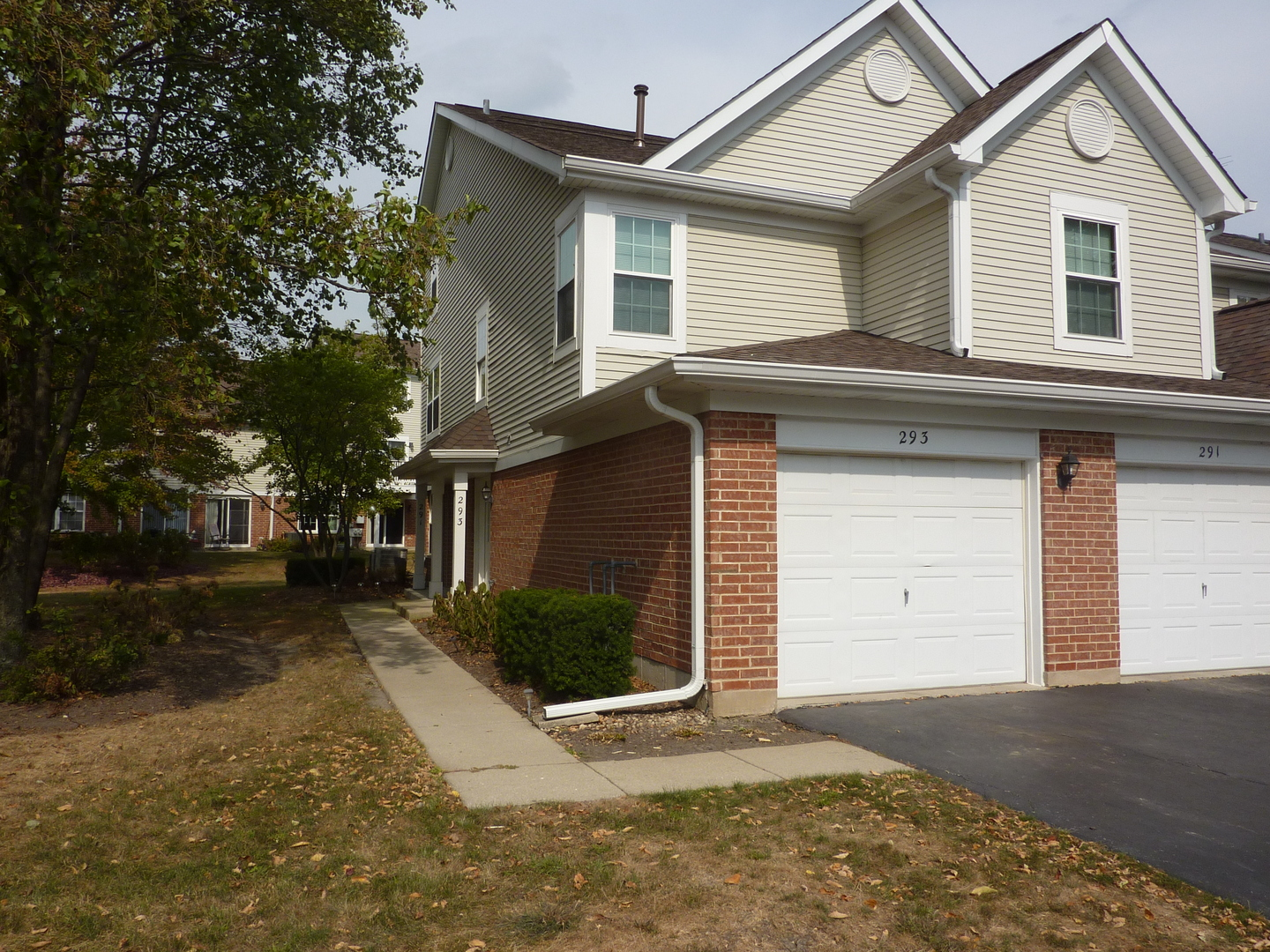 Photo of 293 Regal Court  ROSELLE  IL