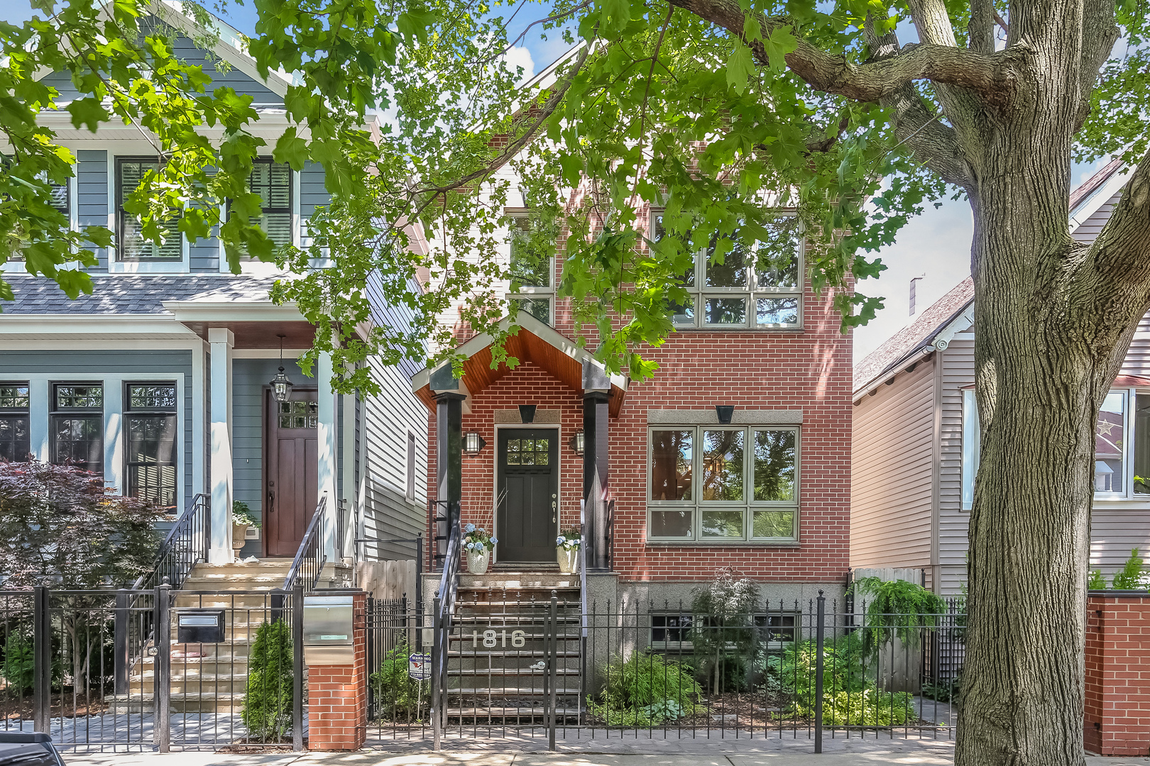 Photo of 1816 West Melrose Street  CHICAGO  IL