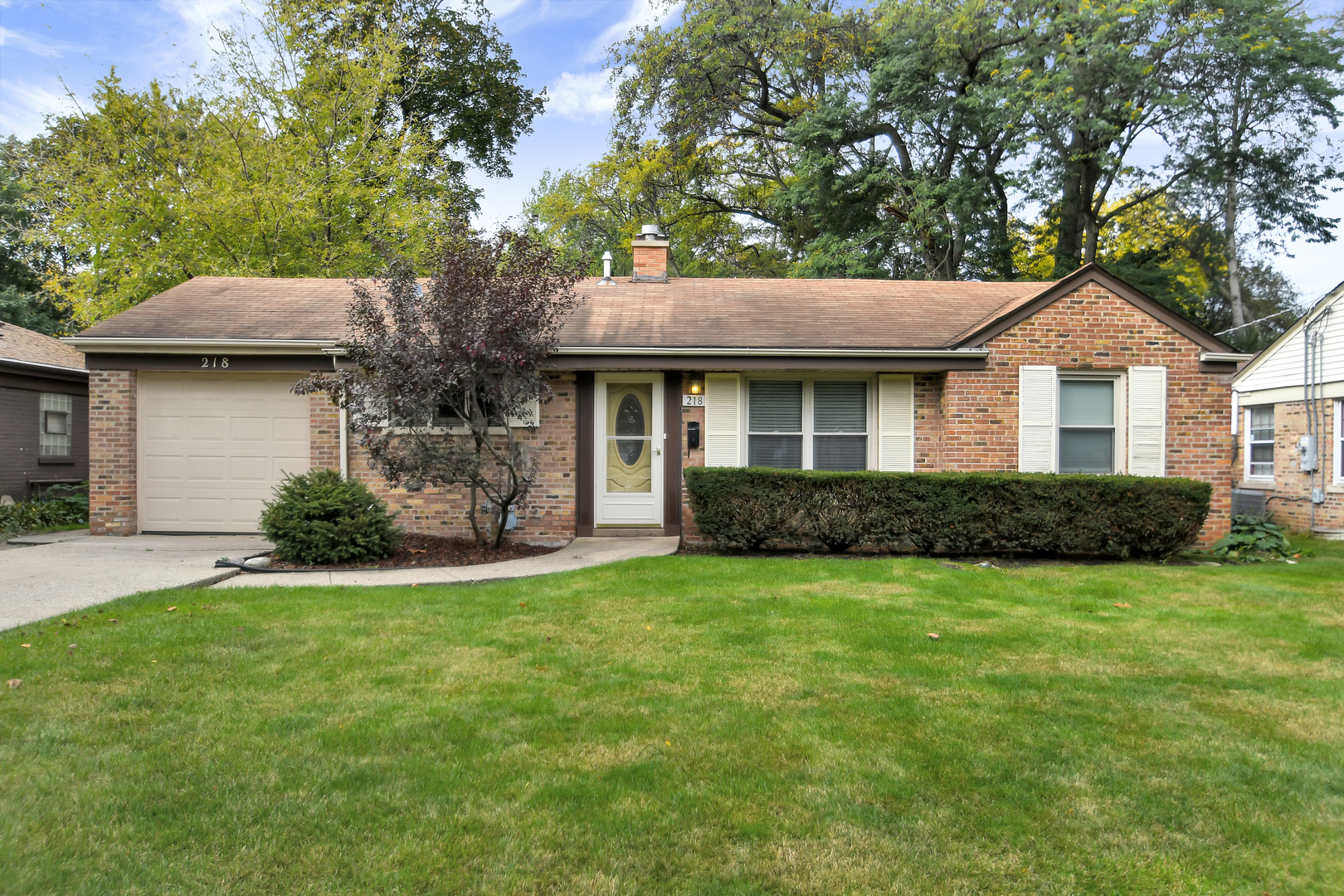 218 North Dryden Place Arlington Heights, IL 60004