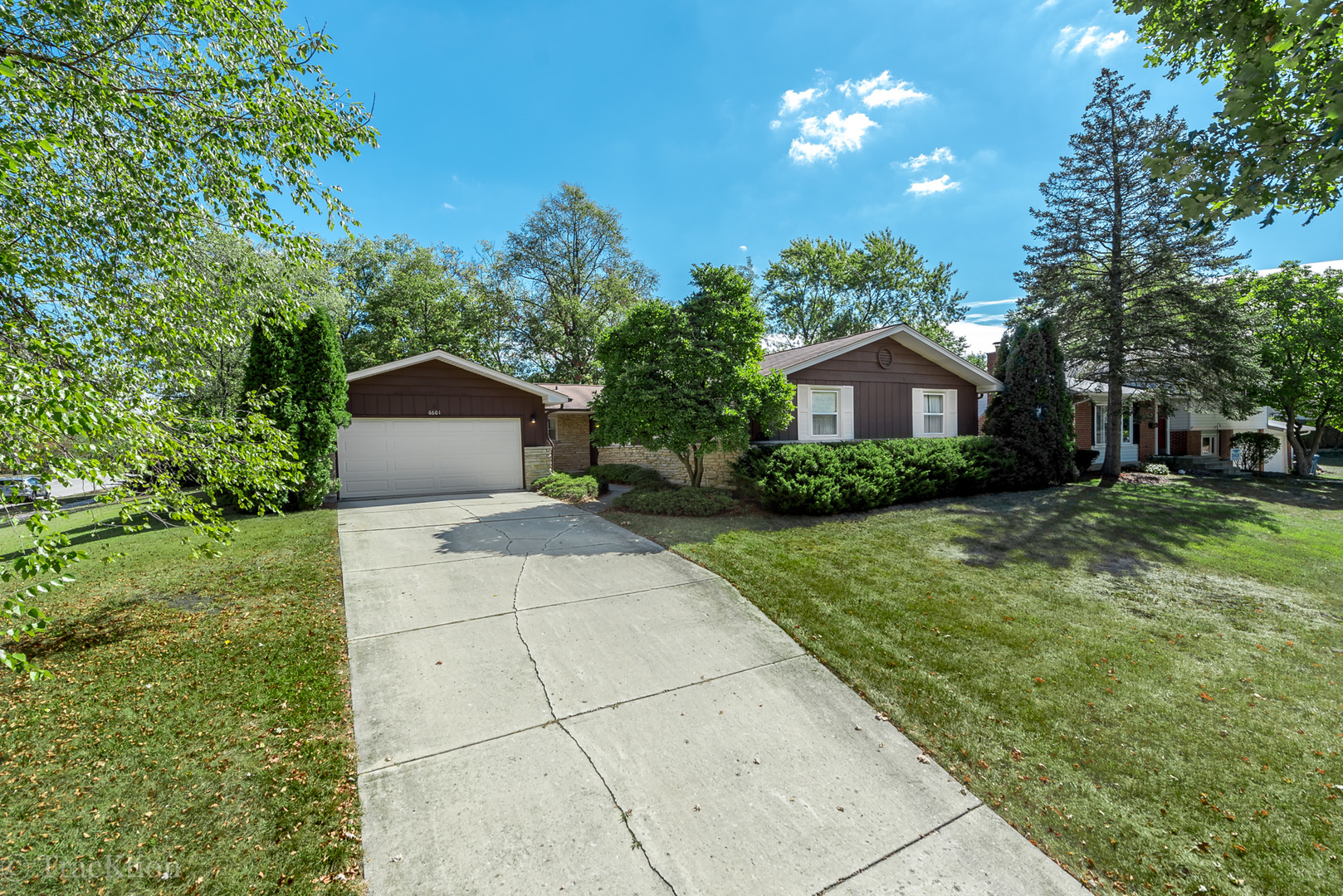 Photo of 6601 Briargate Drive  DOWNERS GROVE  IL