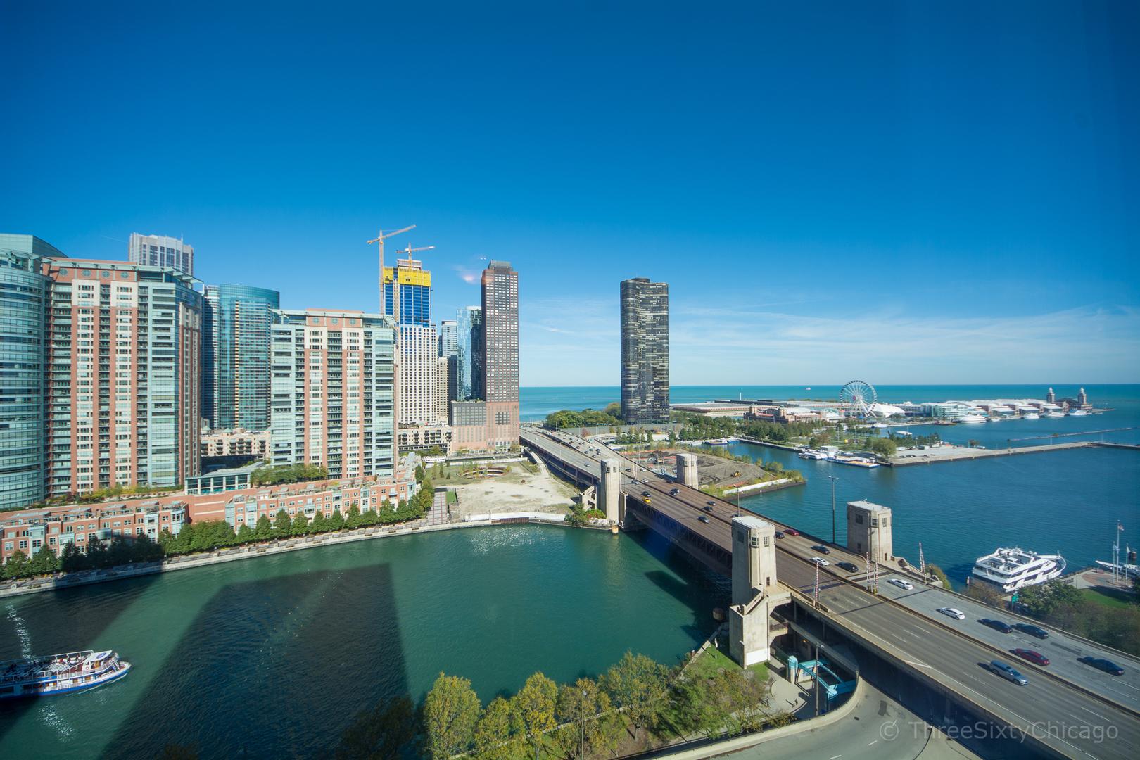 450 E Waterside Dr Chicago, IL