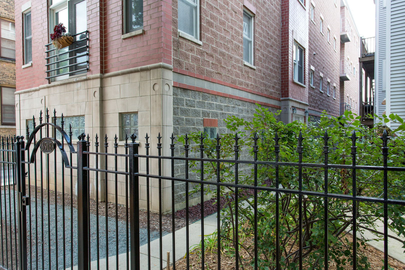 3918 N Greenview Ave Chicago, IL