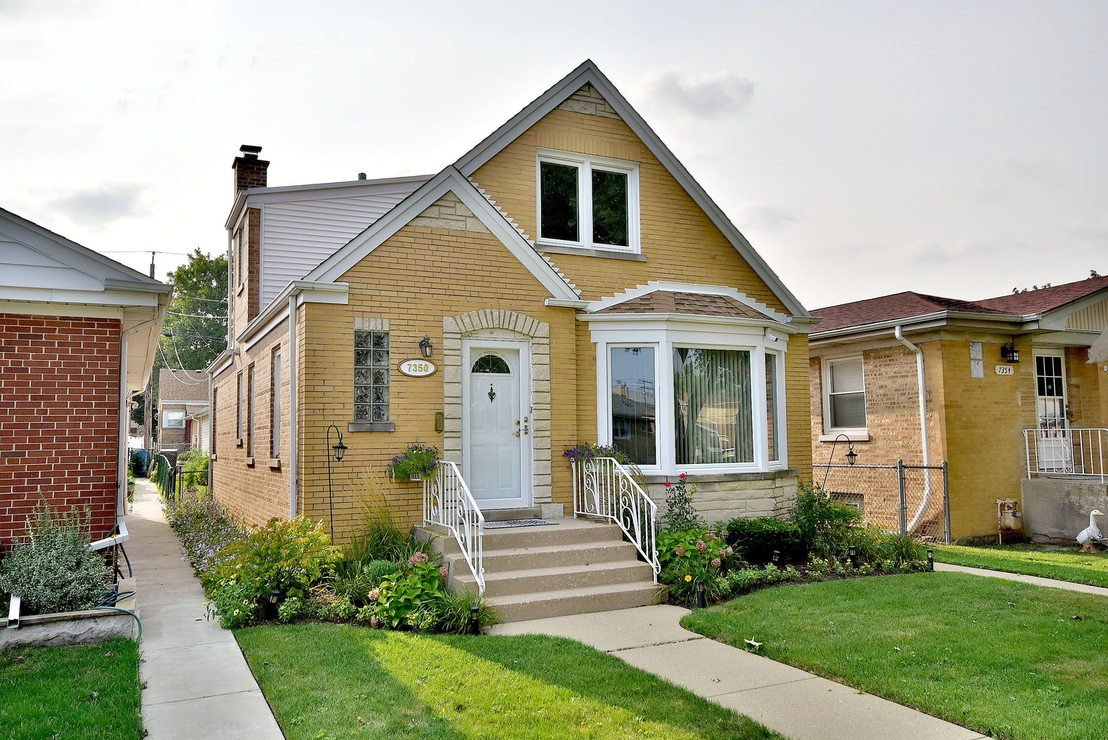Photo of 7350 North Oconto Avenue  CHICAGO  IL
