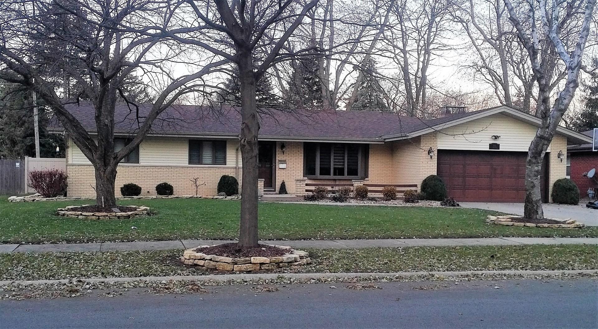 705 Tana Lane, Joliet, Illinois