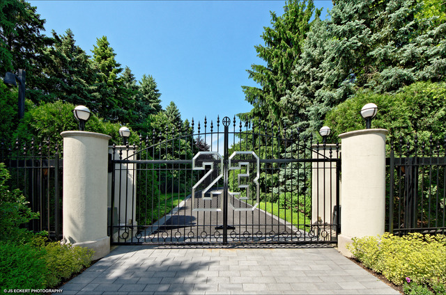 2700 Point Lane, Highland Park, Illinois