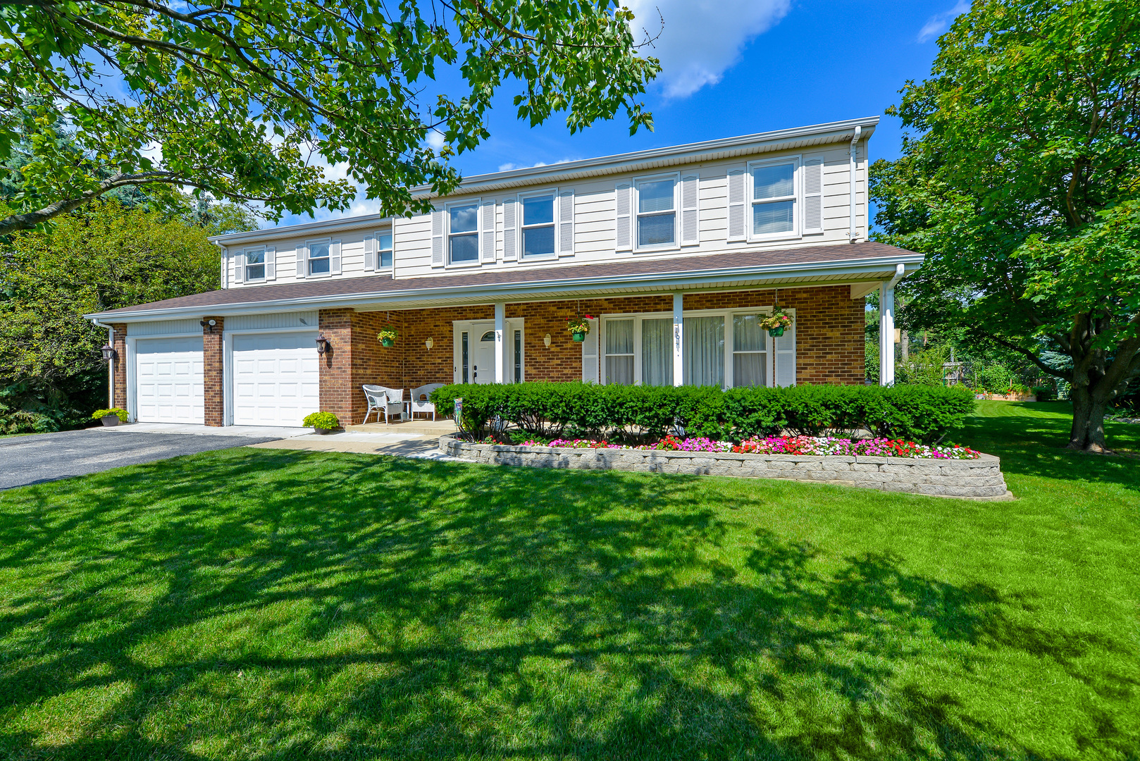 101 Tudor Drive, Barrington in Cook County, IL 60010 Home for Sale