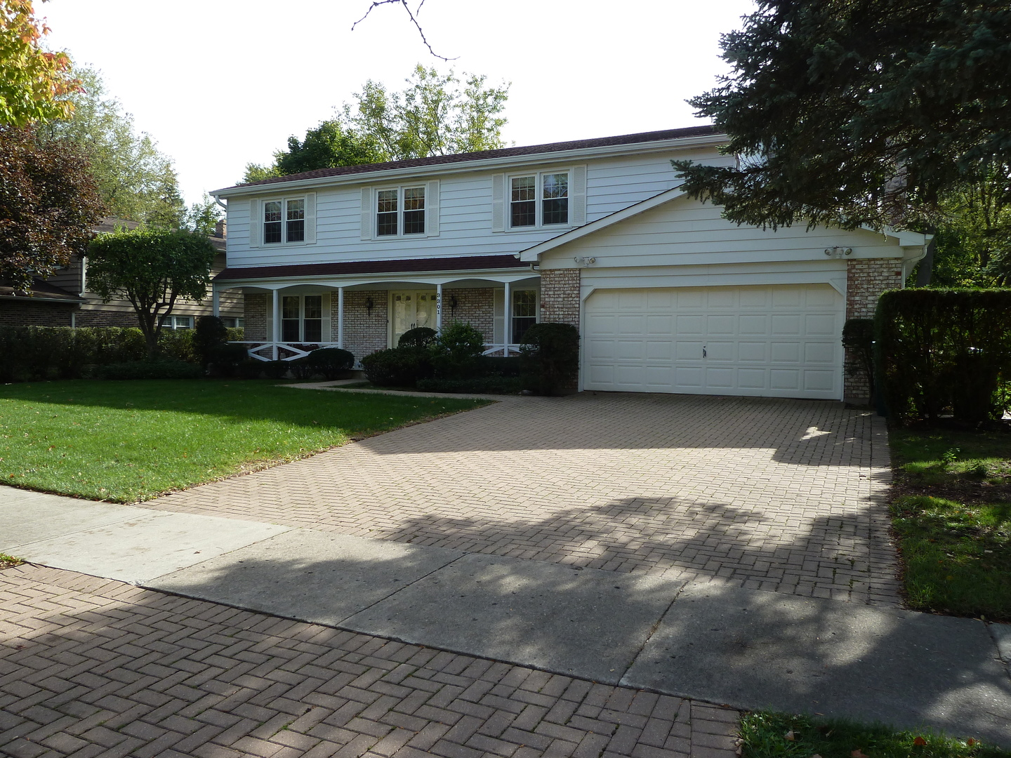 3301 River Falls Drive, Northbrook, Illinois
