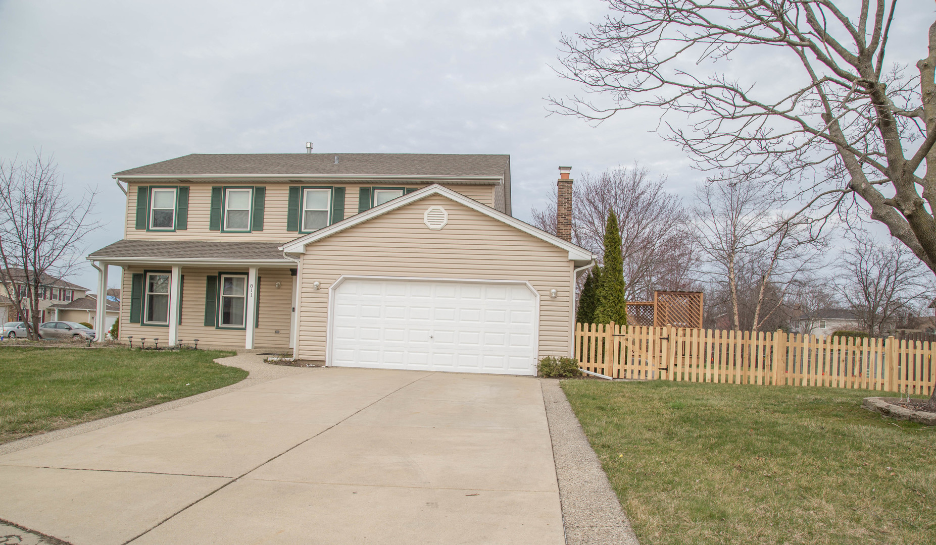 811 Long Meadow Drive, Schaumburg in Cook County, IL 60193 Home for Sale