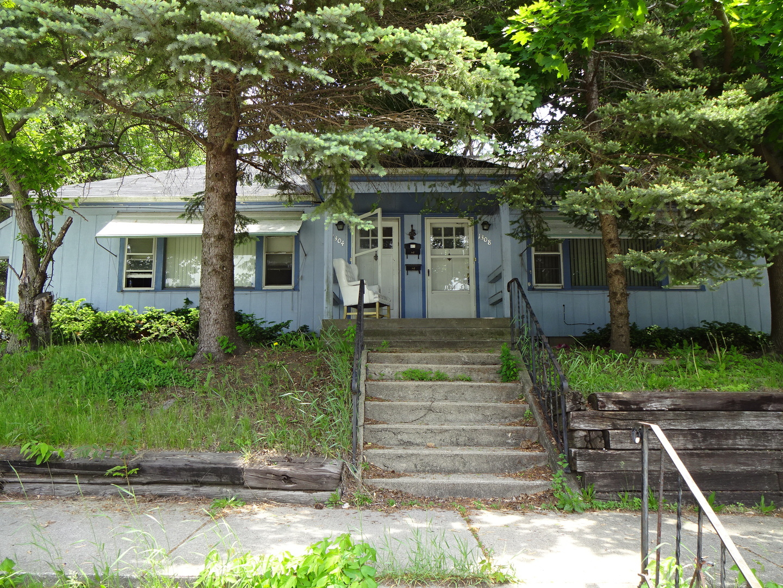 1304 18th Street Rockford, IL 61104