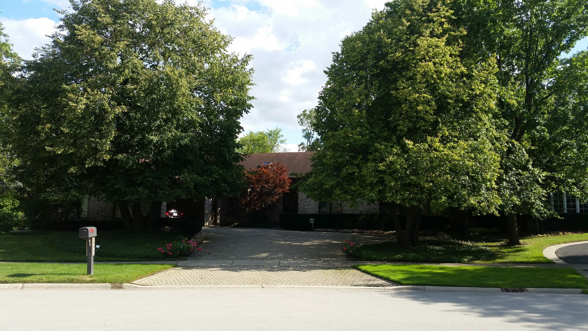 2803 Woodmere Drive, Northbrook in Cook County, IL 60062 Home for Sale