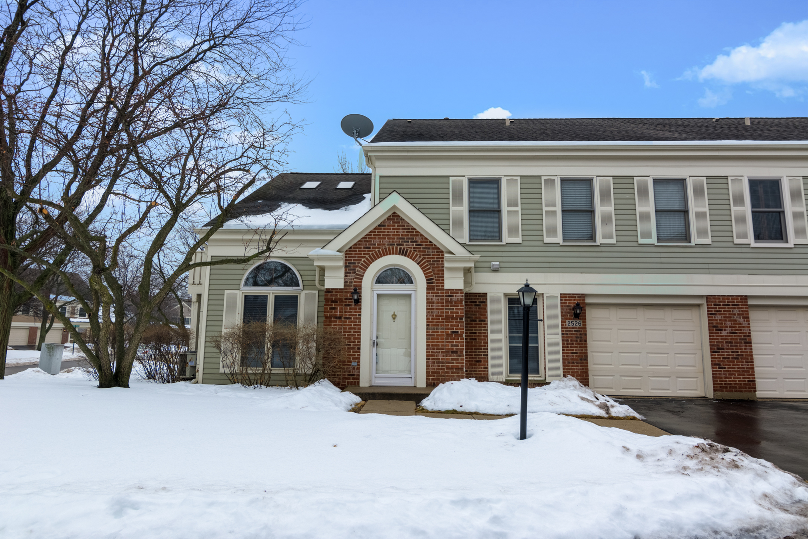 2526 East HUNTER Drive 2526, Arlington Heights in Cook County, IL 60004 Home for Sale