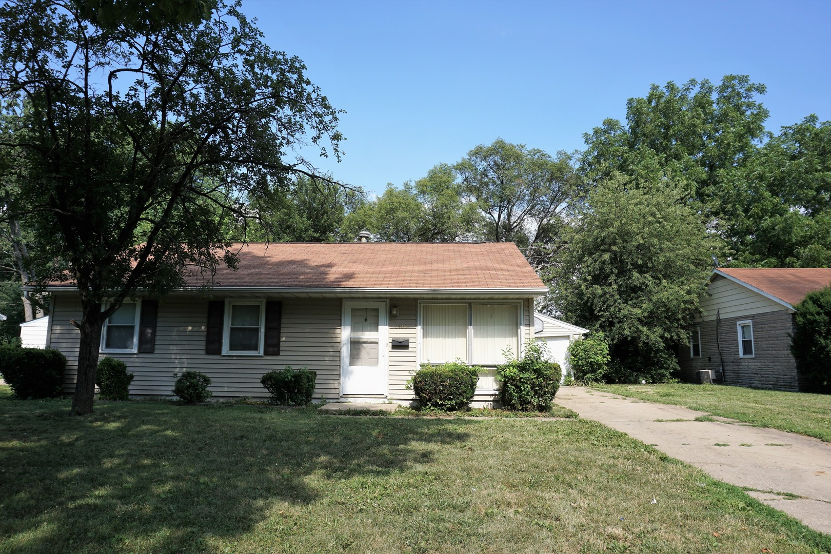 1410 Holly Hill Drive, Champaign in Champaign County, IL 61821 Home for Sale