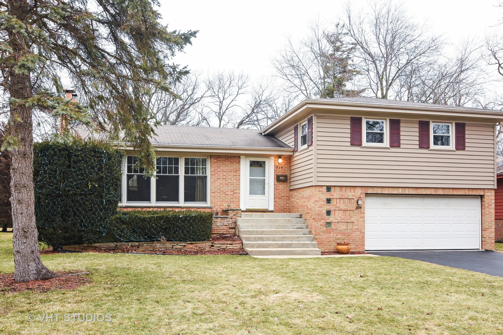 864 Bittersweet Drive, Northbrook in Cook County, IL 60062 Home for Sale