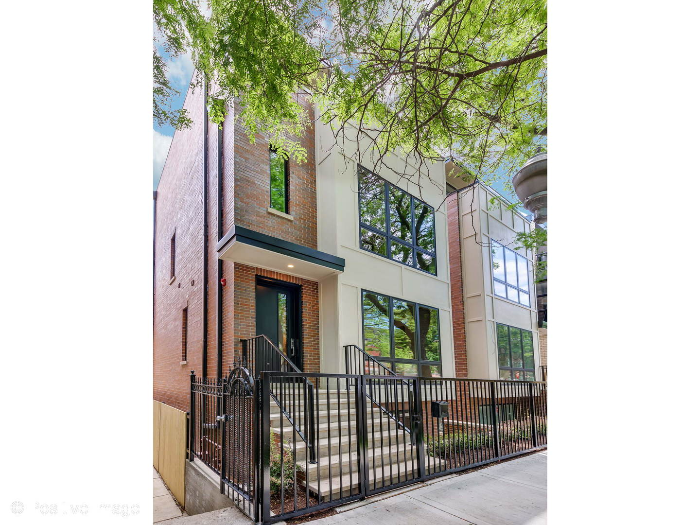 2225 West Lyndale Street, Logan Square, Illinois