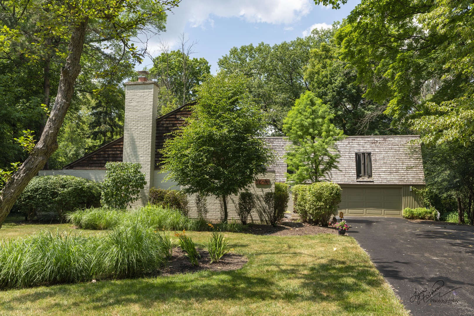 85 Lincolnshire Drive, Lincolnshire in Lake County, IL 60069 Home for Sale
