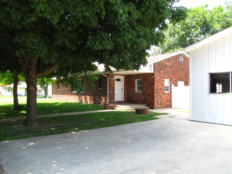 319 South Ridge Street Arcola, IL 61910