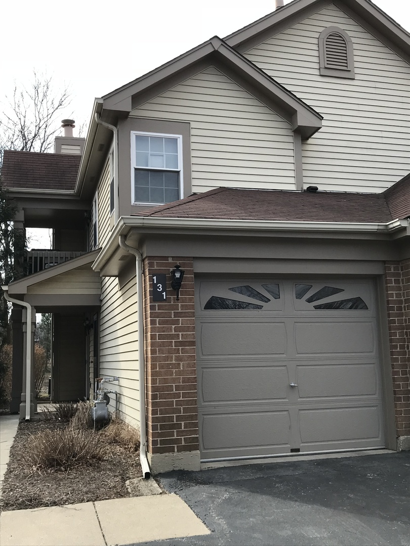 131 Old Oak Court East, Buffalo Grove in Cook County, IL 60089 Home for Sale