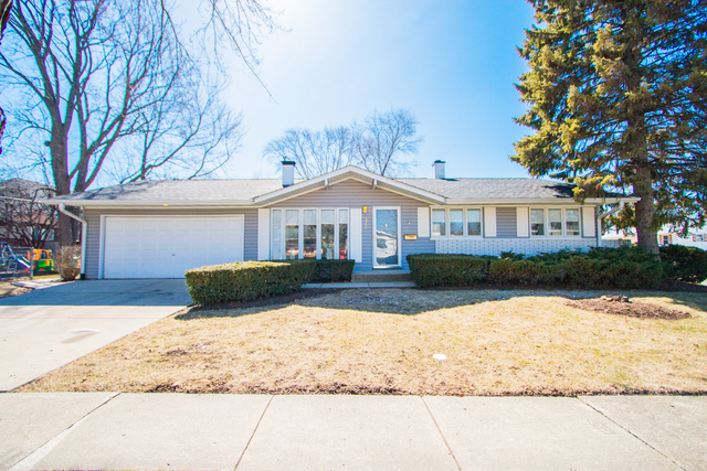 577 Hawthorne Road, Buffalo Grove in Cook County, IL 60089 Home for Sale