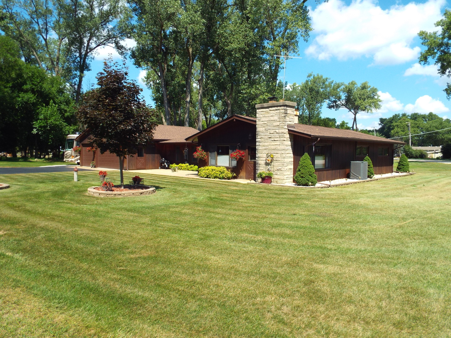 1206 Whippoorwill Drive CRYSTAL LAKE, IL 60014