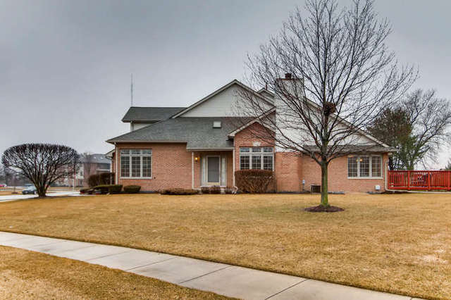6740 South Pointe Drive, one of homes for sale in Tinley Park