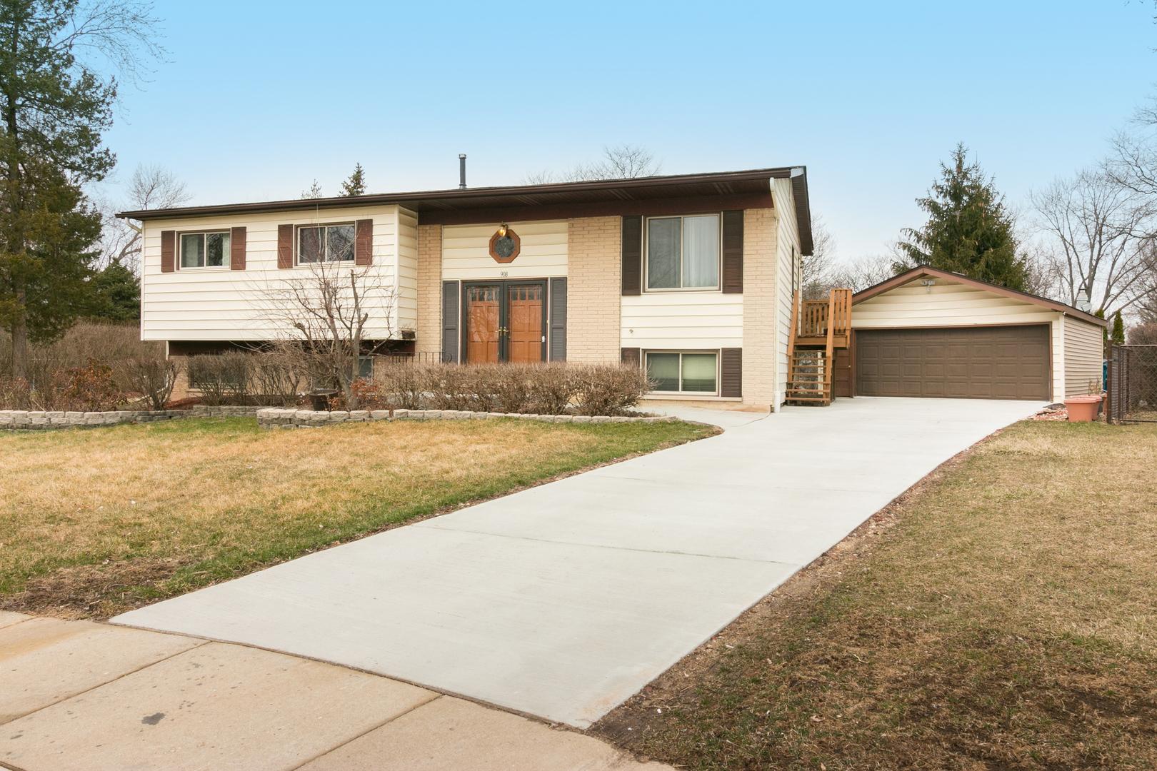 908 Thorney Lea Terrace, Schaumburg, Illinois