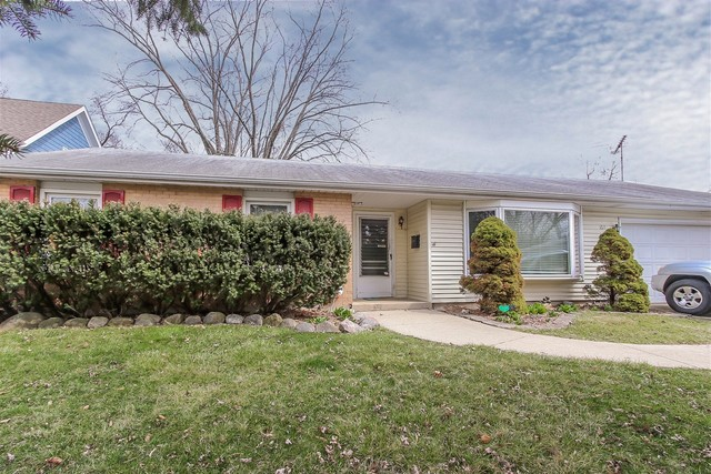 1611 North Fernandez Avenue, Arlington Heights in Cook County, IL 60004 Home for Sale