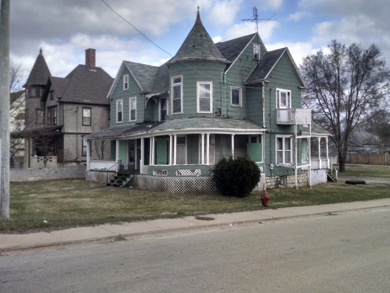 600 East Cass Street, Joliet, Illinois