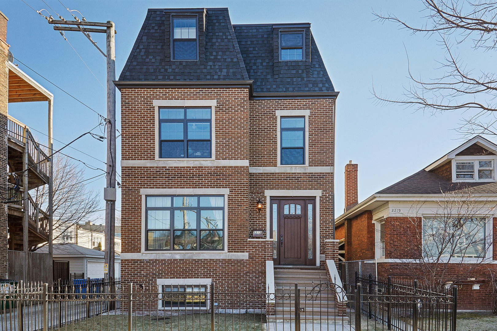 2215 West Winona Street Chicago, IL 60618