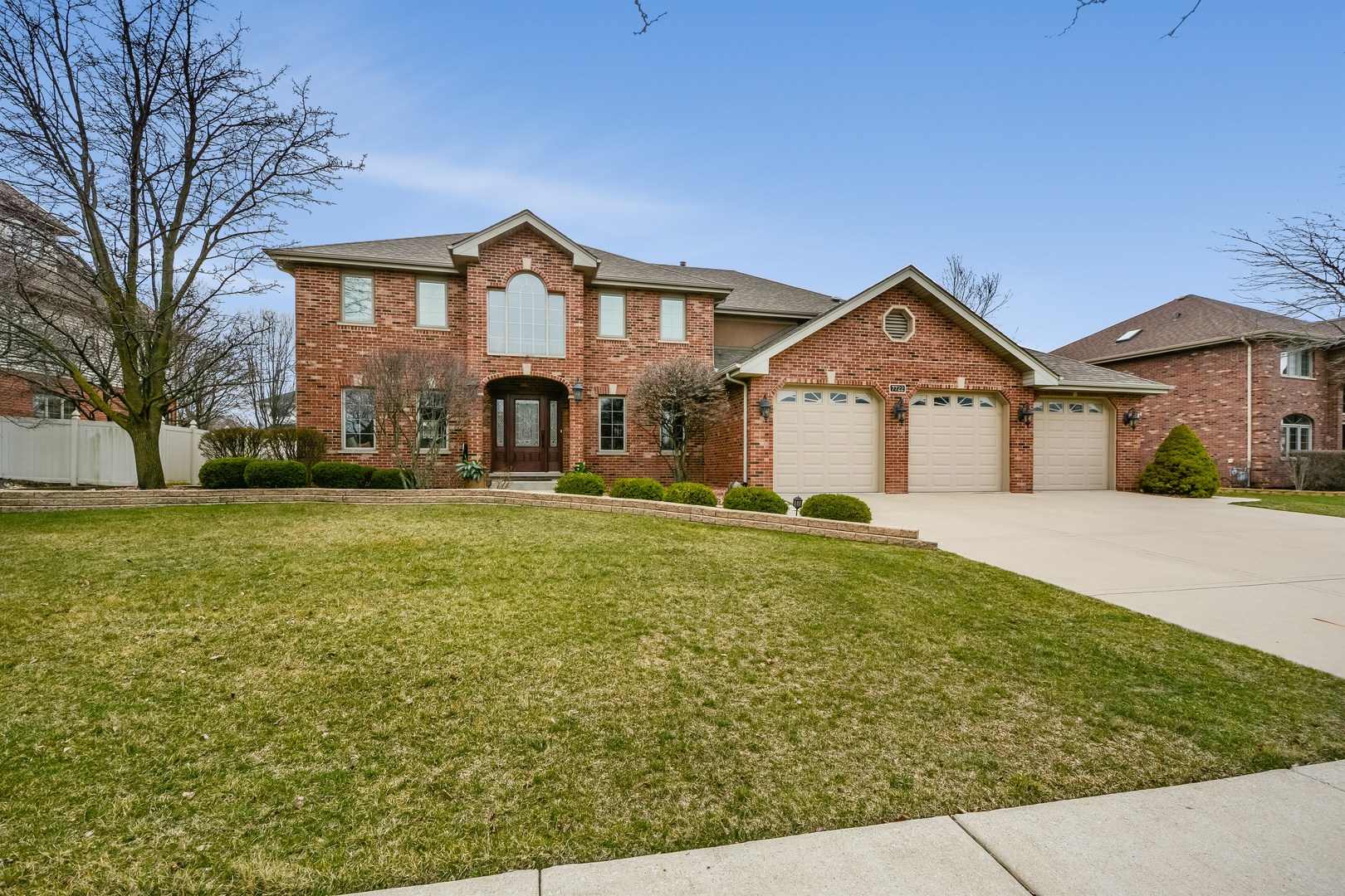 7722 Marquette Drive South, Tinley Park, Illinois