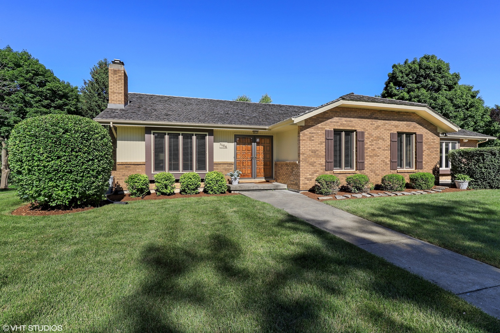 1164 Furlong Drive, Libertyville in Lake County, IL 60048 Home for Sale