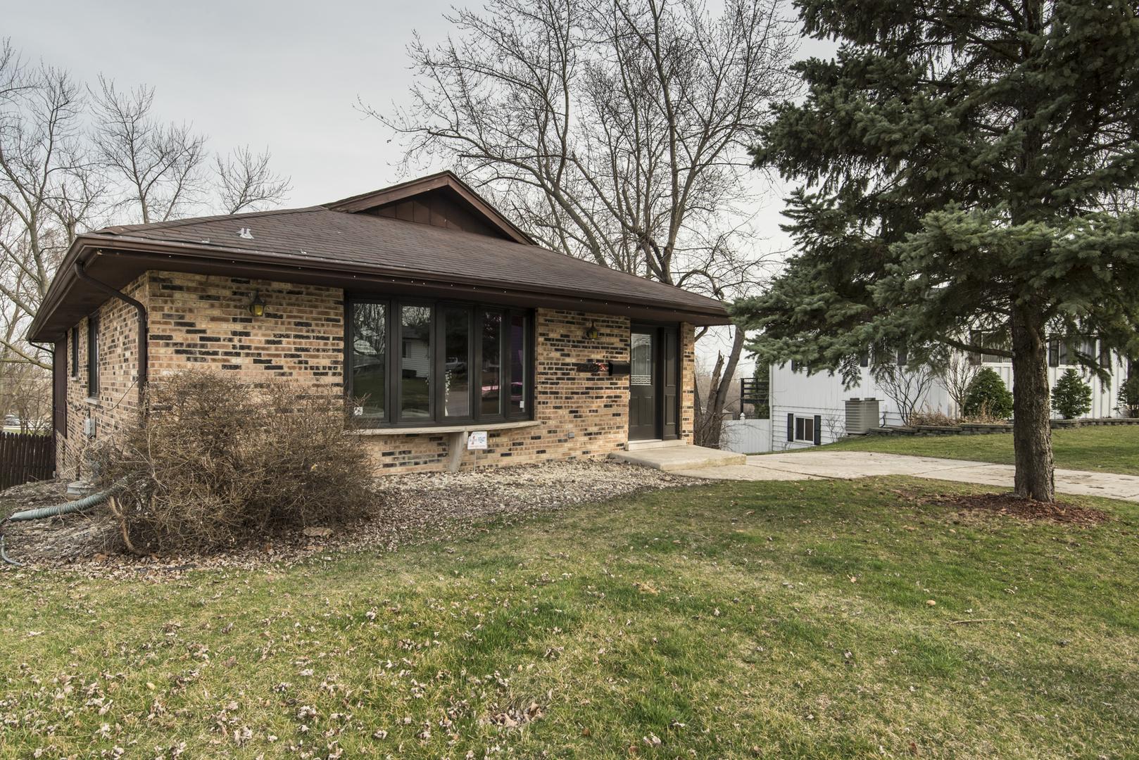 10325 HILLTOP Drive, Orland Park, Illinois