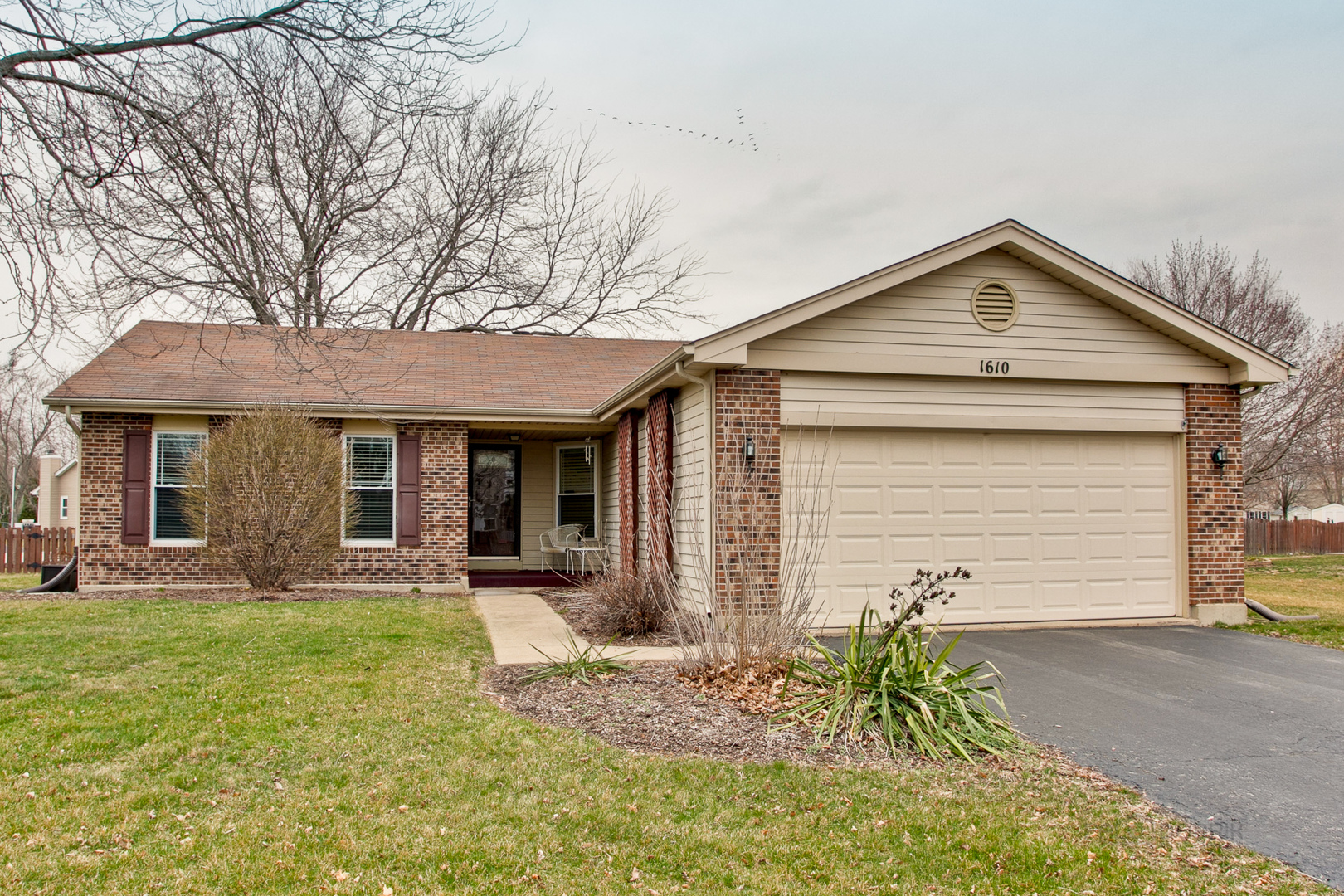 1610 Red Coach Lane, Algonquin in Mc Henry County, IL 60102 Home for Sale