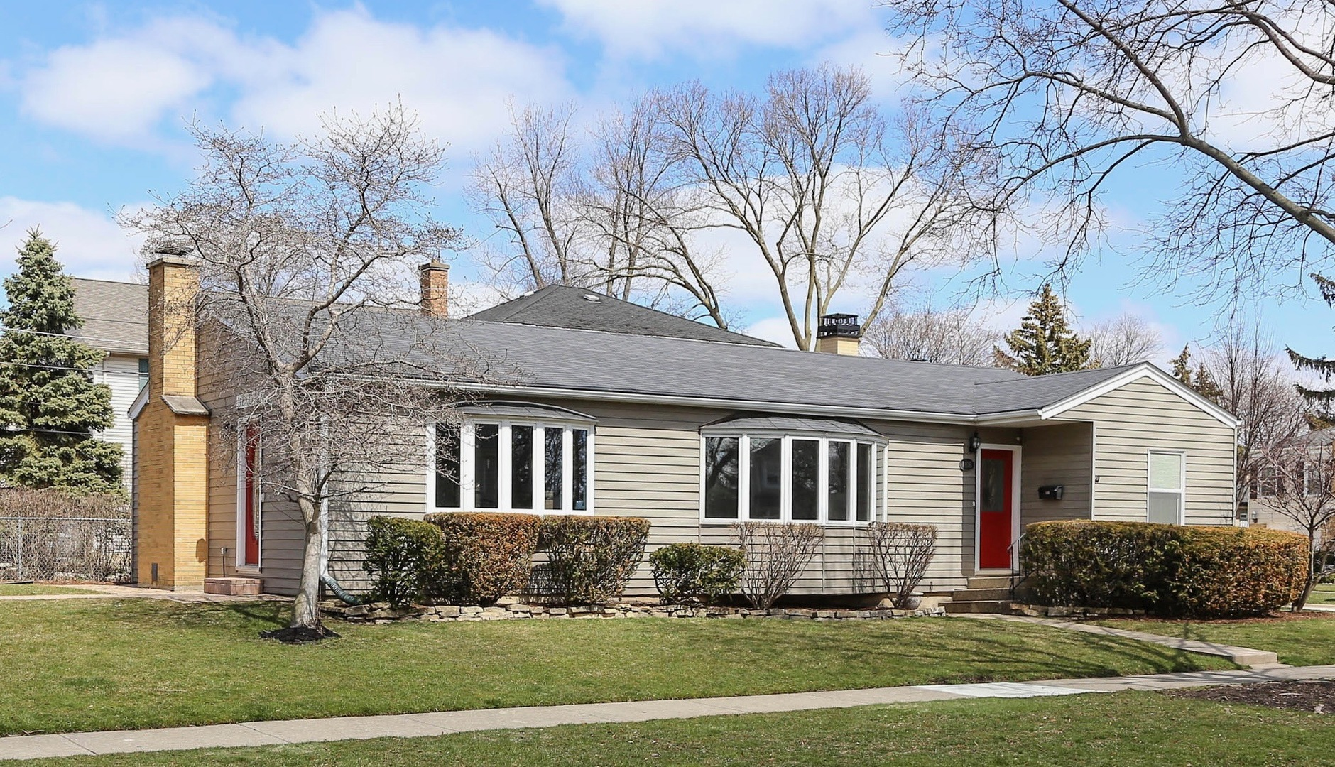 1106 West Elm Street, Arlington Heights in Cook County, IL 60004 Home for Sale