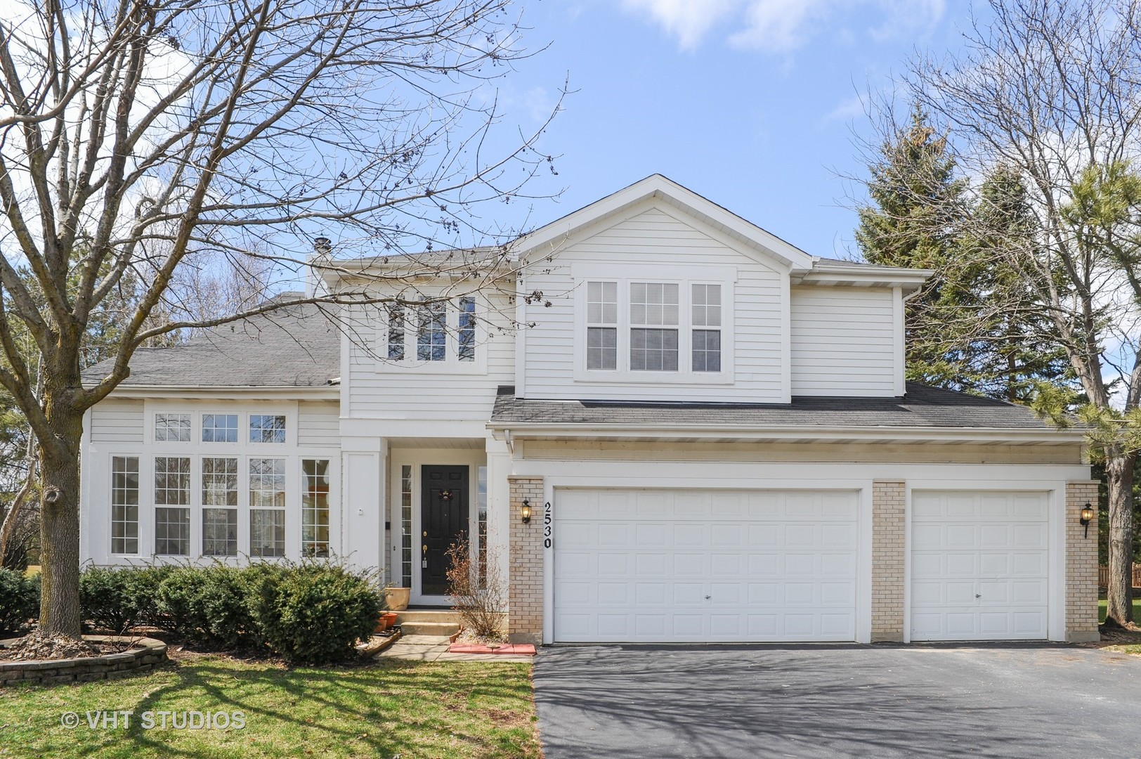 2530 Apple Hill Court, Buffalo Grove in Lake County, IL 60089 Home for Sale