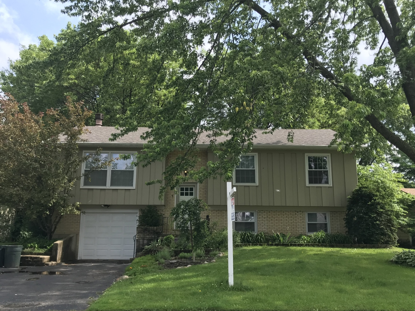 1075 Browning Lane, Lake Zurich in Lake County, IL 60047 Home for Sale