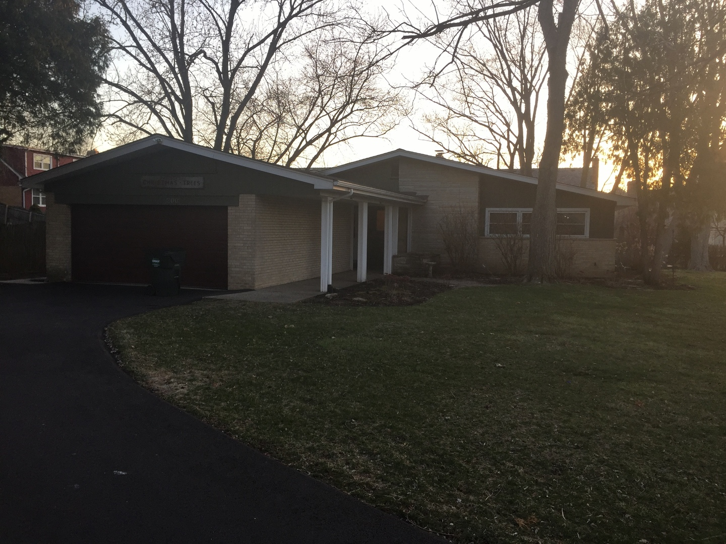 200 Sharon Drive, Barrington in Lake County, IL 60010 Home for Sale