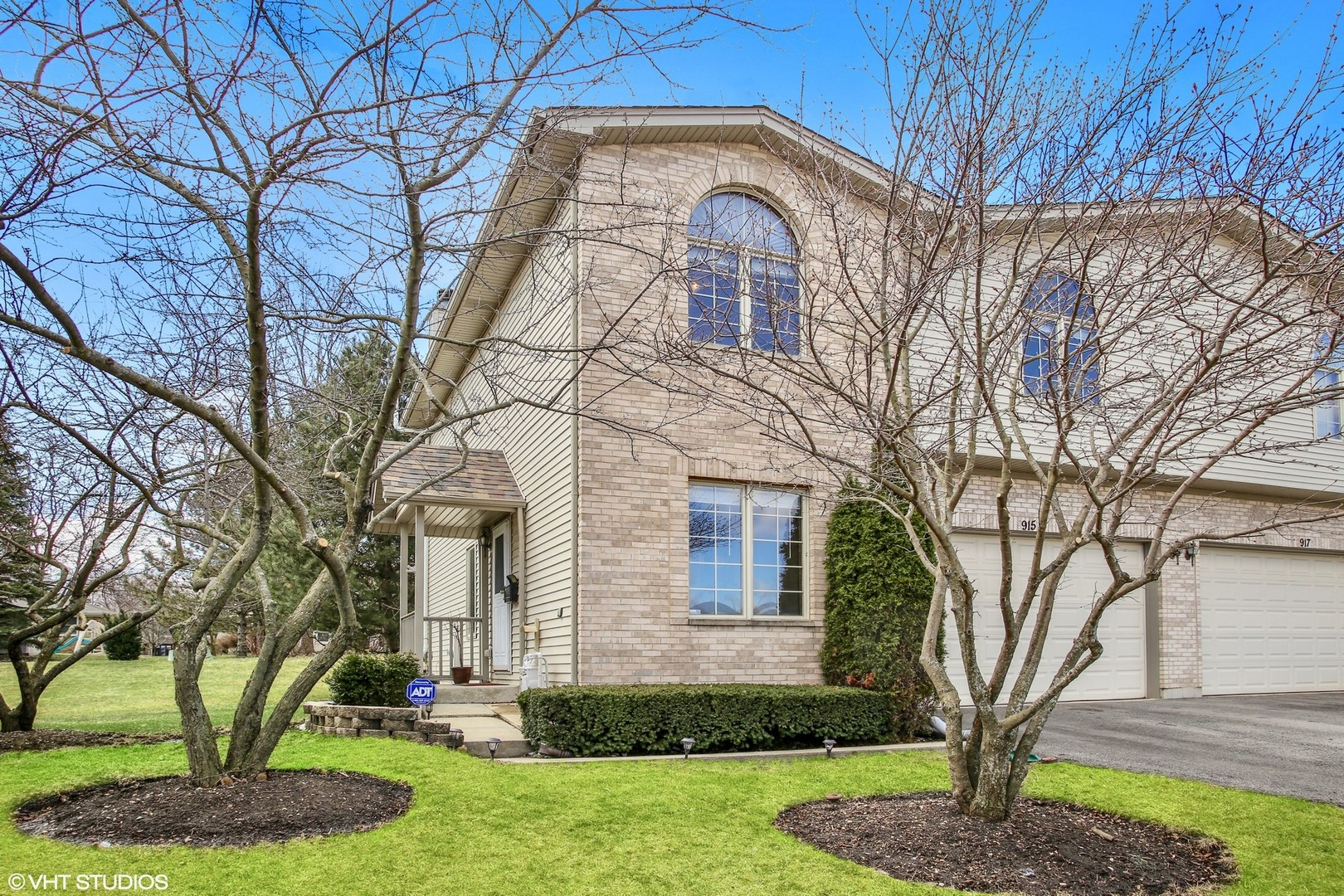 915 Westfield Lane, Schaumburg in Cook County, IL 60193 Home for Sale