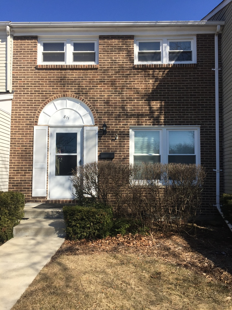 811 Mansfield Court, Schaumburg in Cook County, IL 60194 Home for Sale