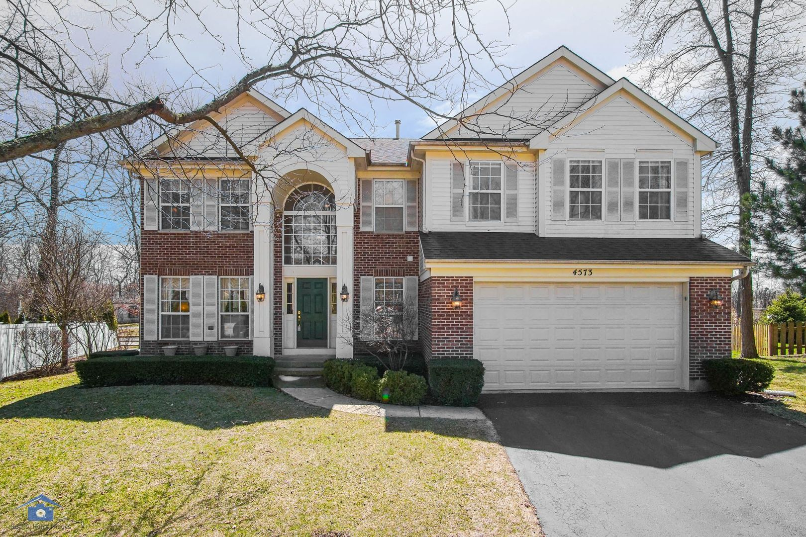 4573 Wren Court North East, Libertyville in Lake County, IL 60048 Home for Sale