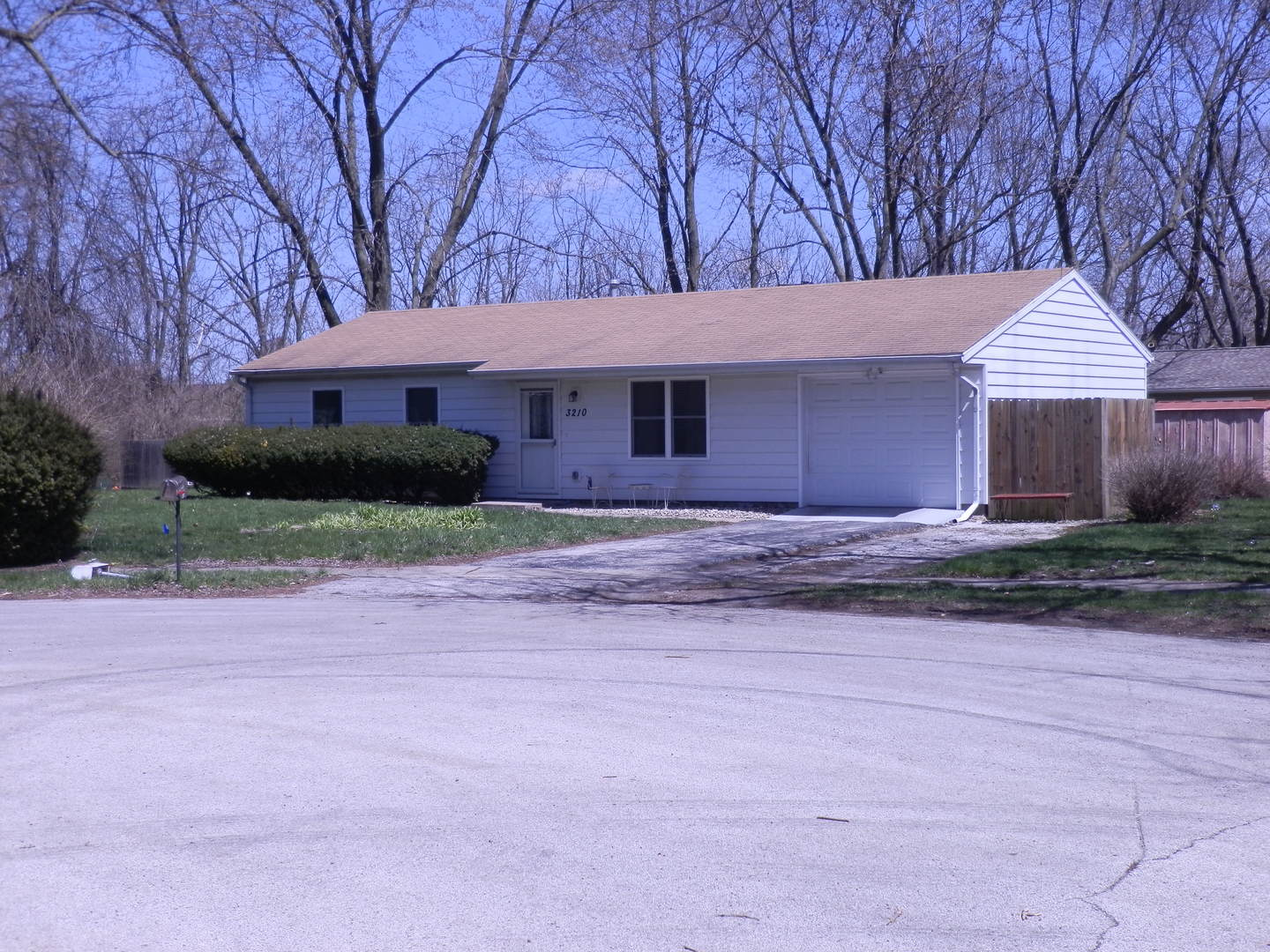 3210 Ridgewood Drive, Champaign in Champaign County, IL 61821 Home for Sale