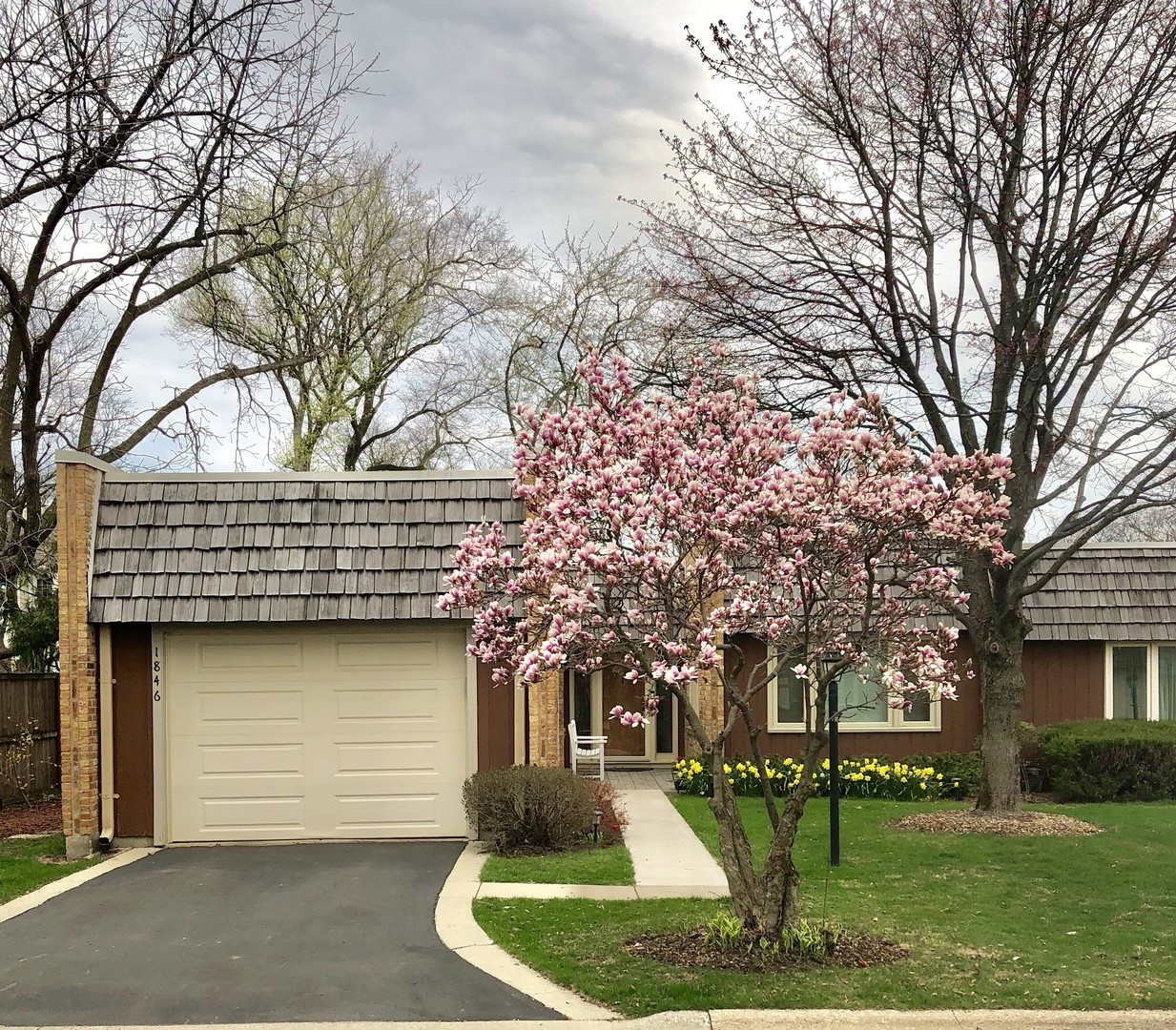 1846 Somerset Lane, Northbrook in Cook County, IL 60062 Home for Sale