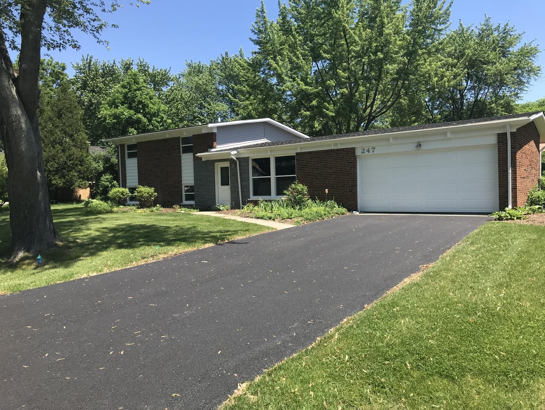 247 Sharon Drive, Barrington, Illinois