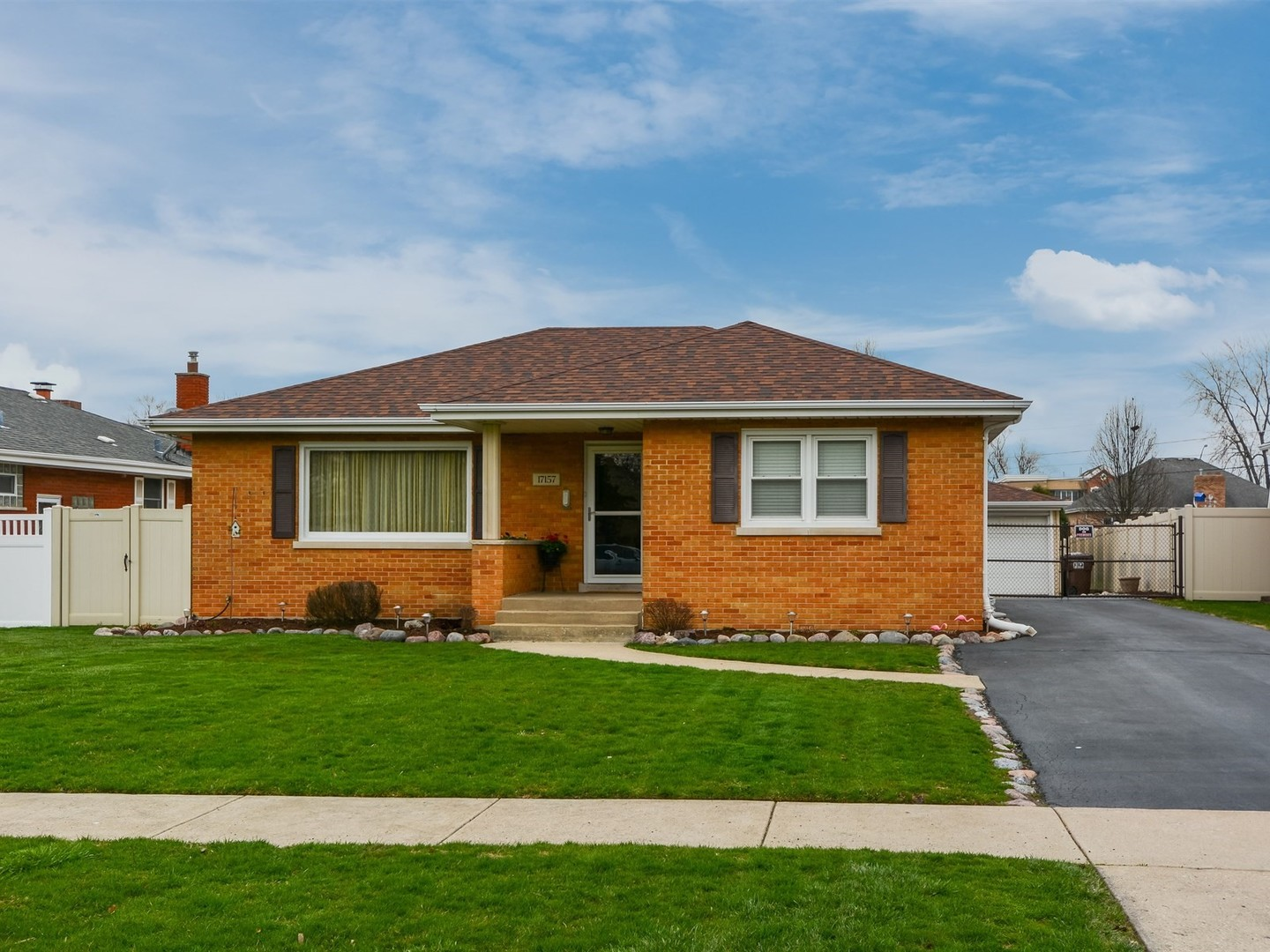 17157 69th Avenue, Tinley Park in Cook County, IL 60477 Home for Sale