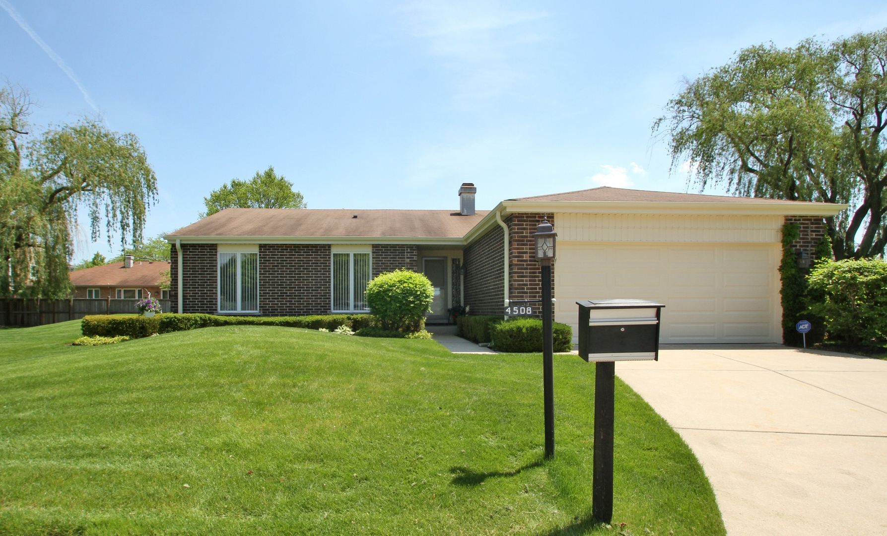 4508 Lindenwood Lane, Northbrook in Cook County, IL 60062 Home for Sale