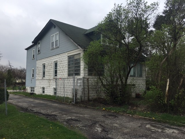 1939 East Touhy Avenue Des Plaines, IL 60018