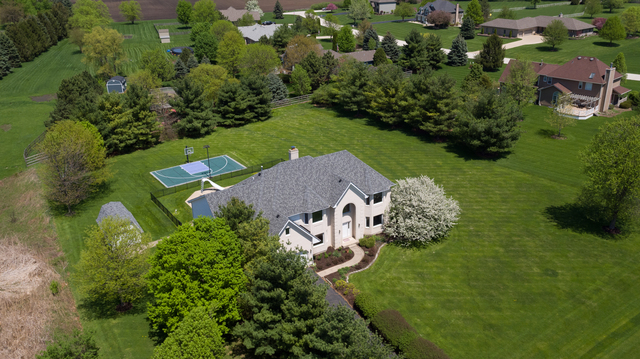 37W766 Heritage Drive, Batavia in Kane County, IL 60510 Home for Sale
