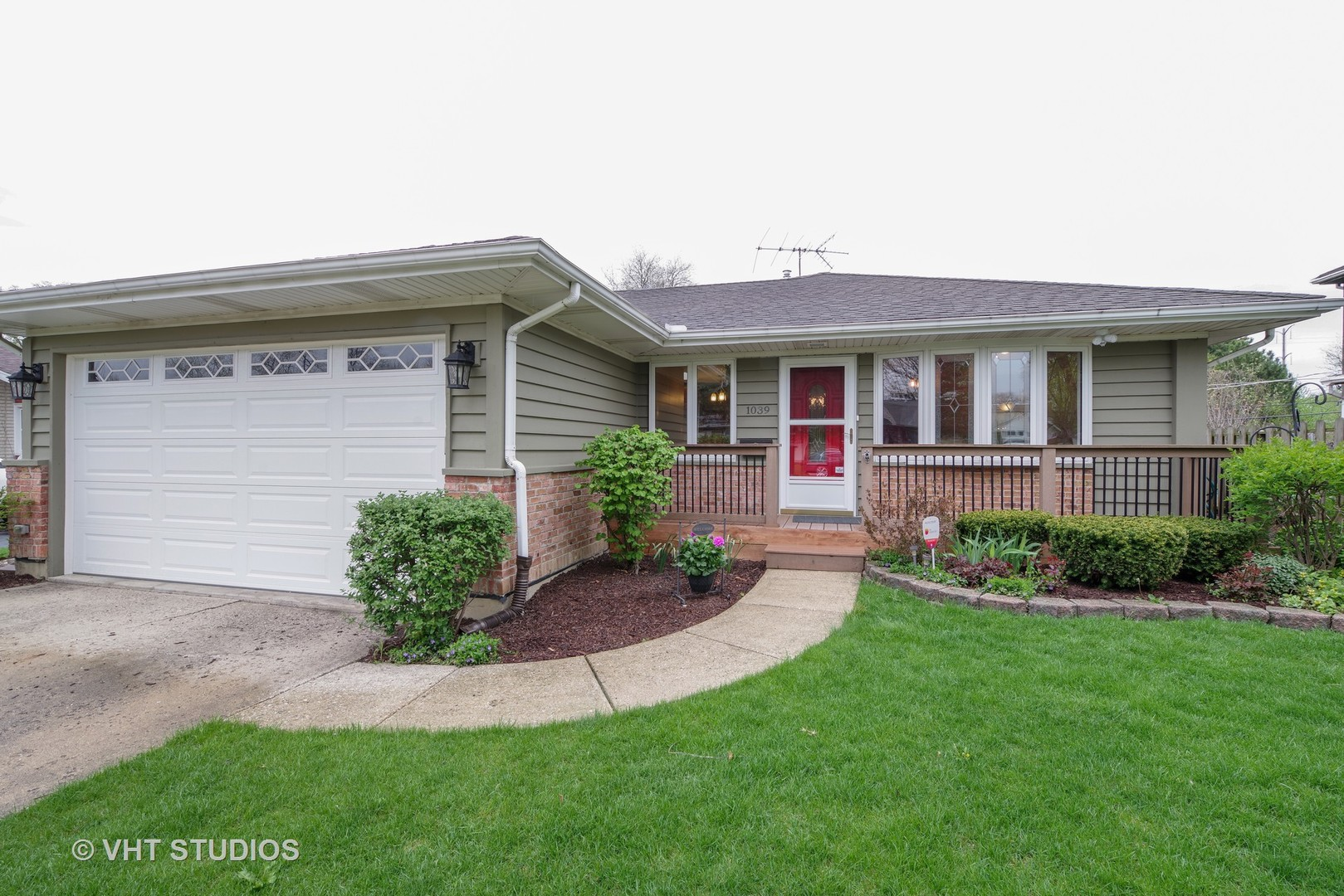 1039 Midway Road, Northbrook in Cook County, IL 60062 Home for Sale