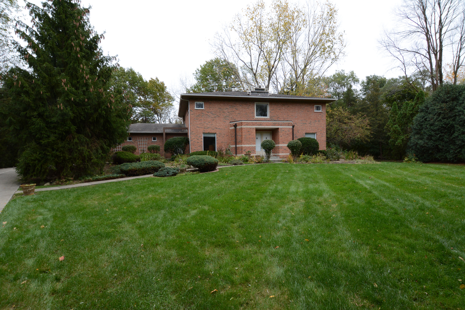 23559 North RALEIGH Drive, Lincolnshire, Illinois