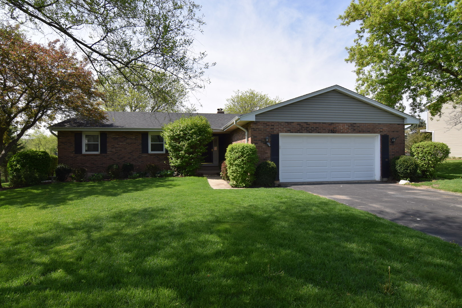 1301 SURREY Court, Algonquin in Mc Henry County, IL 60102 Home for Sale