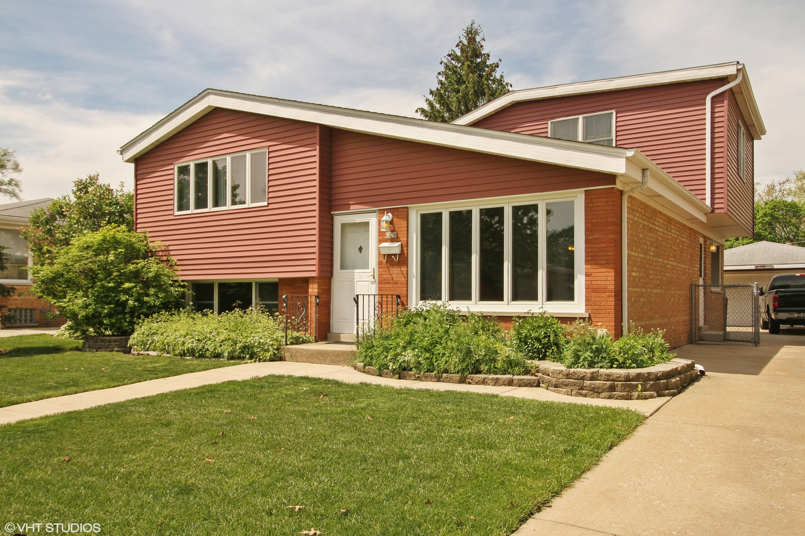 6870 176th Street, Tinley Park in Cook County, IL 60477 Home for Sale